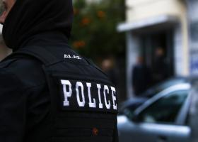 Σε διαθεσιμότητα αστυνομικός που συμμετείχε σε κύκλωμα πλαστών ταξιδιωτικών εγγράφων - Κεντρική Εικόνα