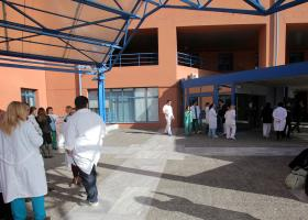 Αττικόν: Ράντζα παντού και χάος στην εφημερία καταγγέλλουν οι γιατροί, διαψεύδει η διοίκηση - Κεντρική Εικόνα