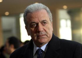 Ο Αβραμόπουλος ζητεί να ανακληθεί η προστασία και των υπολοίπων μαρτύρων στην υπόθεση Novartis - Κεντρική Εικόνα