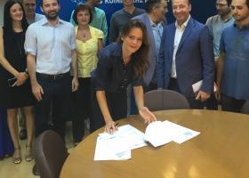 «Έπεσαν» οι υπογραφές για την επέκταση των 4 κλαδικών συμβάσεων (photos) - Κεντρική Εικόνα