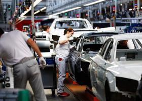 Περίπου 3,8 εκατ. Ευρωπαίοι εργάζονται στην αυτοκινητοβιομηχανία - Κεντρική Εικόνα