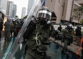 Νέες συγκρούσεις αστυνομίας και διαδηλωτών στο Χονγκ Κονγκ - Κεντρική Εικόνα