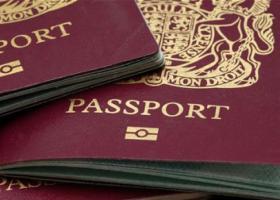 Βελγικά διαβατήρια θα «μοιράσει» ο Γιούνκερ σε Βρετανούς εργαζόμενους που επηρεάζονται από το Brexit - Κεντρική Εικόνα