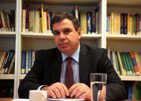 Οι εξελίξεις δεν επιτρέπουν νέα λάθη, υποστηρίζει ο Ν. Βέττας του ΙΟΒΕ - Κεντρική Εικόνα