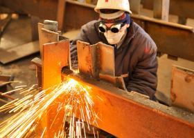 ΙΟΒΕ: Ρεκόρ δεκαετίας για την ελληνική βιομηχανία - Κεντρική Εικόνα