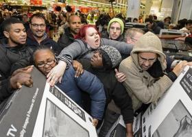 Την Black Friday στην Ελλάδα, φέρνουν τα καταστήματα Public (Video) - Κεντρική Εικόνα