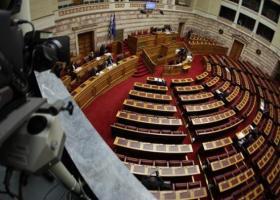 Με ευρεία πλειοψηφία εγκρίθηκε ο εκλογικός νόμος από την Επιτροπή της Βουλής - Κεντρική Εικόνα