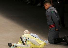 Σοκ στη Βραζιλία: Μοντέλο κατέρρευσε την πασαρέλα και πέθανε - Κεντρική Εικόνα