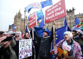 Brexit: Εκατοντάδες χιλιάδες άνθρωποι διαδηλώνουν στο Λονδίνο ζητώντας νέο δημοψήφισμα - Κεντρική Εικόνα