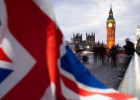 Δημοσκόπηση δείχνει το 54% να επιμένει σε Brexit «πάση θυσία» - Κεντρική Εικόνα