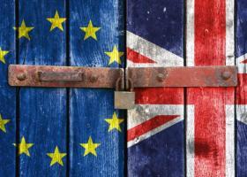 Ο πρόεδρος της ένωσης των Γάλλων εργοδοτών καλεί σε προετοιμασία για «σκληρό Brexit» - Κεντρική Εικόνα