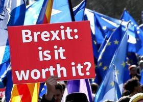Εμ. Μακρόν: Η Βρετανία οφείλει να πληρώσει το τίμημα για οποιαδήποτε απαράδεκτη ενέργεια για το Brexit - Κεντρική Εικόνα