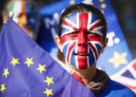 Brexit: Ξανά στο τραπέζι των διαπραγματεύσεων από σήμερα - Μπηχτές Μπαρνιέ για «πίσω βήματα» από την Βρετανία - Κεντρική Εικόνα