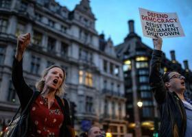 Βρετανία: Ένα εκατ. υπογραφές κατά της απόφασης Τζόνσον να κλείσει τη Βουλή - Κεντρική Εικόνα