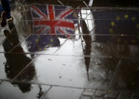 Σχέδιο Τόρις: Με e-άδεια και διαβατήριο η είσοδος των Ευρωπαίων στη Βρετανία, μετά το Brexit - Κεντρική Εικόνα