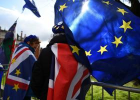 Brexit: Πορεία στο Λονδίνο για την διεξαγωγή νέου δημοψηφίσματος - Κεντρική Εικόνα