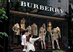 Burberry: Αυξήθηκαν 36% τα κέρδη προ φόρων εξαμήνου - Κεντρική Εικόνα