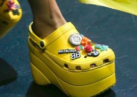 Ξεπούλησαν τα Crocs των 680 ευρώ  - Κεντρική Εικόνα
