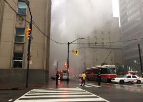 Εκρήξεις από φωτιά σε μετασχηματιστή συγκλόνισαν το οικονομικό κέντρο του Τορόντο - Κεντρική Εικόνα