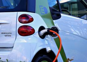 Το Κατάρ θα φτιάξει ηλεκτρικά αυτοκίνητα έως το 2023 που θα εξάγονται και στον υπόλοιπο κόσμο - Κεντρική Εικόνα
