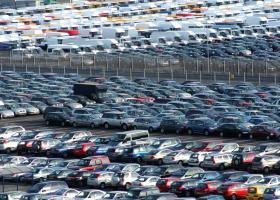 Δραματική καθίζηση 80% στις ταξινομήσεις αυτοκινήτων τον Απρίλιο  - Κεντρική Εικόνα