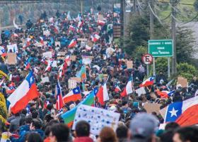 Χιλή: Αναζωπυρώνονται οι κοινωνικές διαδηλώσεις - Τουλάχιστον 26 νεκροί και 13.500 τραυματίες (Video) - Κεντρική Εικόνα