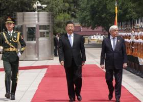 Θερμή υποδοχή του Σι Τζιπίνγκ στον Προκόπη Παυλόπουλο - Κεντρική Εικόνα