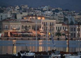 Χίος: Παντρεύτηκαν και... έκλεισαν την παραλία - Έξαλλοι οι λουόμενοι! (photo) - Κεντρική Εικόνα
