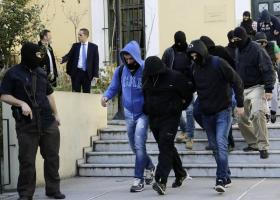 Combat 18 Hellas: Προφυλακιστέοι οι τέσσερις από τους επτά κατηγορούμενους - Κεντρική Εικόνα