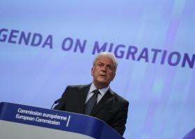 Αβραμόπουλος: Ανάγκη να τροποποιηθεί ο «Κανονισμός του Δουβλίνου» για το προσφυγικό - Κεντρική Εικόνα