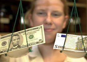 Ενισχύεται το ευρώ έναντι του δολαρίου - Κεντρική Εικόνα