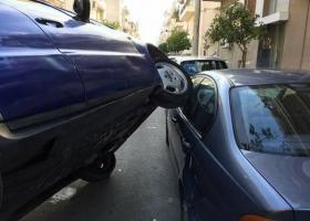 Viral: Μια Mercedes «καβαλάει» μια BMW (photos) - Κεντρική Εικόνα