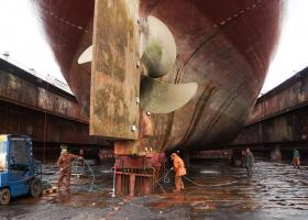Δεξαμενή-μαμούθ ετοιμάζει η Cosco στον Πειραιά - Κεντρική Εικόνα