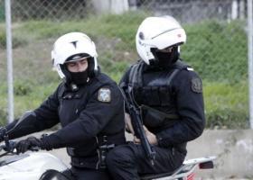 Ναύπλιο: Αναγνωρίστηκαν δύο νεαροί Έλληνες που χτύπησαν και λήστεψαν αλλοδαπό - Κεντρική Εικόνα