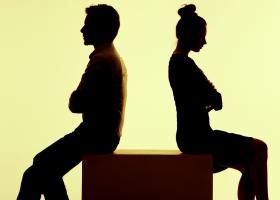 Έρχονται τα φθηνά και... εξπρές διαζύγια σε συμβολαιογράφο - Κεντρική Εικόνα