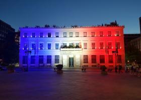 Στα χρώματα της Γαλλίας το Δημαρχείο της Αθήνας - Κεντρική Εικόνα