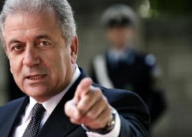 Αβραμόπουλος: Δεν μπορούμε να αφήνουμε μετανάστες στη θάλασσα - Κεντρική Εικόνα