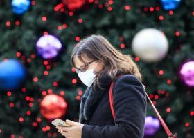 Δώρο Χριστουγέννων: Λειψό και σε δύο δόσεις η καταβολή του - Ποιοι εργαζόμενοι θα λάβουν την δεύτερη τον Ιανουάριο - Κεντρική Εικόνα