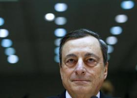 Ο Ντράγκι υπεραμύνθηκε της νομισματικής χαλάρωσης της ΕΚΤ με στόχο την ανάκαμψη - Κεντρική Εικόνα