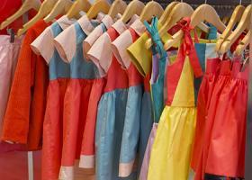 154d6e91bbeb Μεγάλο bazaar σε παιδικά ρούχα και παιχνίδια - Εκπτώσεις που φτάνουν το 70%  - Κεντρική