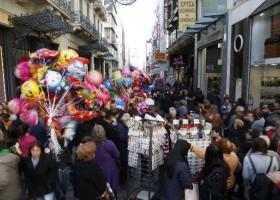 Στις 15 Δεκεμβρίου ξεκινά το εορταστικό ωράριο-Ποιες Κυριακές θα είναι ανοιχτά τα μαγαζιά - Κεντρική Εικόνα