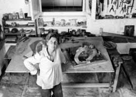 Πλήρης ημερών, έφυγε από τη ζωή, η γλύπτρια Άλεξ Μυλωνά  - Κεντρική Εικόνα
