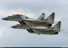 Ρωσικής κατασκευής μαχητικό συνετρίβη στη διάρκεια εκπαιδευτικής πτήσης στην Αίγυπτο - Κεντρική Εικόνα