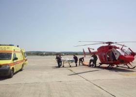 Πολάκης: Συγχαρητήρια στους ανθρώπους που εργάζονται στο Κέντρο Αεροδιακομιδών του ΕΚΑΒ - Κεντρική Εικόνα