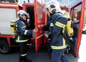 Αυτοκίνητο τυλίχθηκε στις φλόγες εν κινήσει στο Χαλάνδρι - Κεντρική Εικόνα