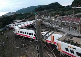 Ταϊβάν: 18 άνθρωποι σκοτώθηκαν, 160 τραυματίστηκαν από εκτροχιασμό τρένου - Κεντρική Εικόνα