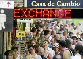 Αργεντινή: Η κυβέρνηση επέβαλε έλεγχο συναλλάγματος για να καθησυχάσει τις αγορές - Κεντρική Εικόνα