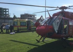 Αεροδιακομιδή ασθενούς με ελικόπτερο από το ΕΚΑΒ - Κεντρική Εικόνα