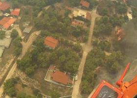 Βίντεο ντοκουμέντο από ελικόπτερο που επιχείρησε στην πυρκαγιά στην Κινέτα - Κεντρική Εικόνα