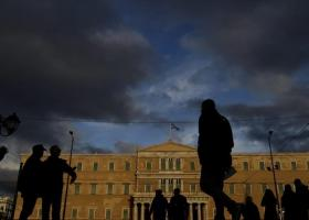 Handelsblatt: Απογοητευμένοι από τους πολιτικούς τους και την ΕΕ οι Έλληνες - Κεντρική Εικόνα